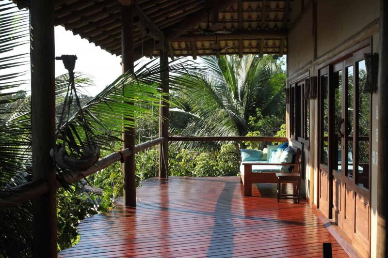 restaurant-deck